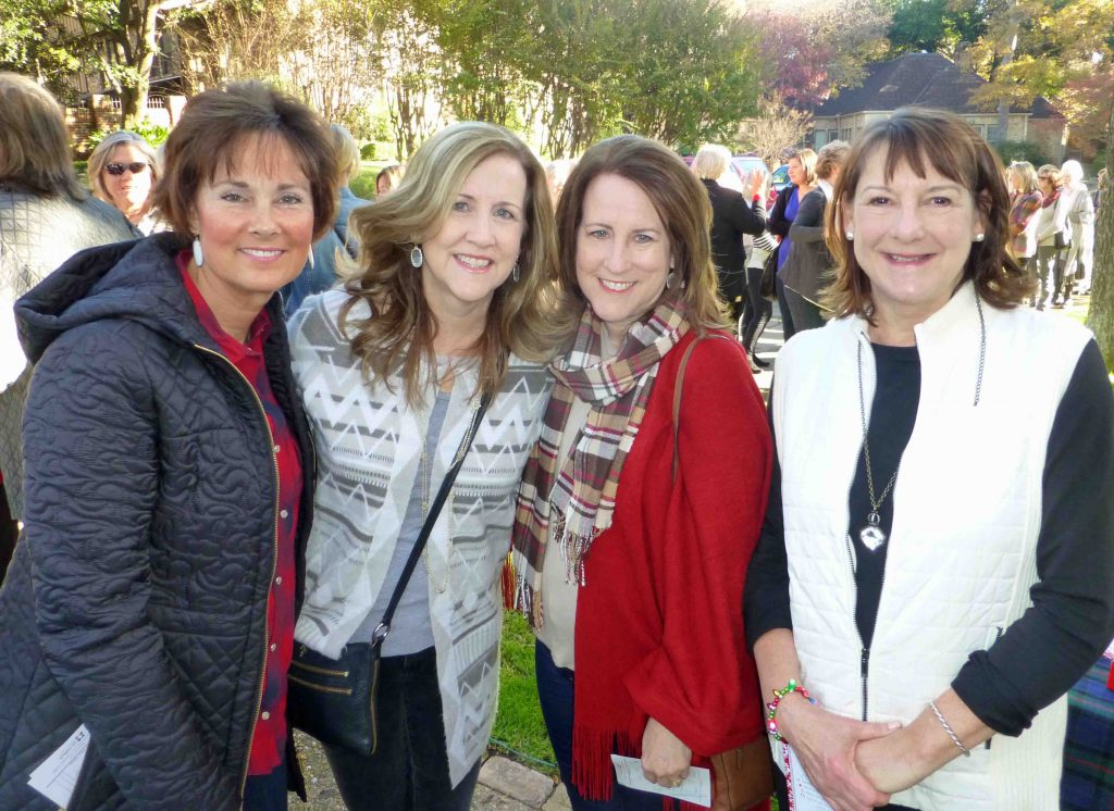 Vicki Caldwell, Laura Flagg, Sheri Dixon and Cindy Aldredge were first in line