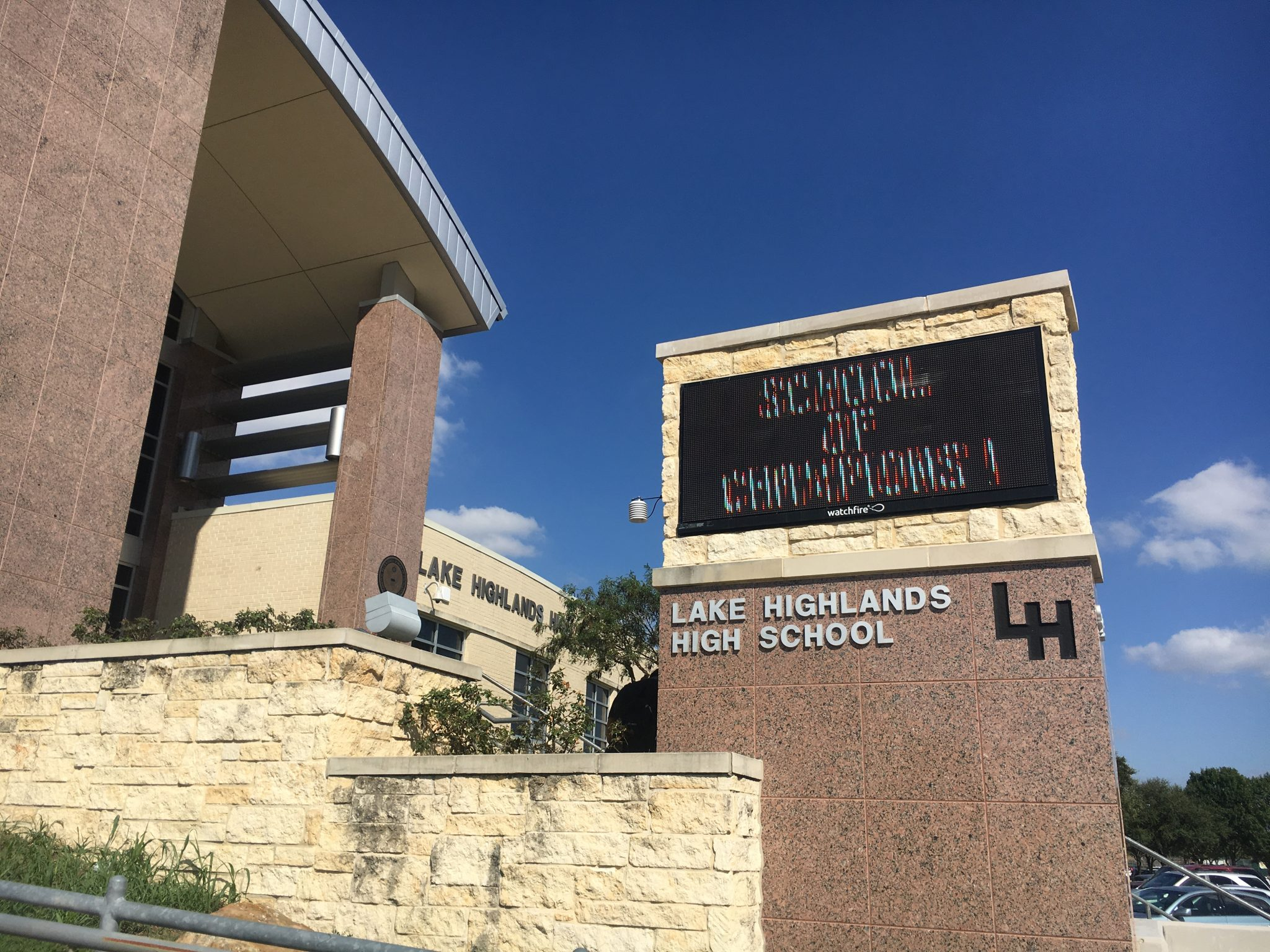 Lake Highlands High School. (Photo by Emily Charrier)