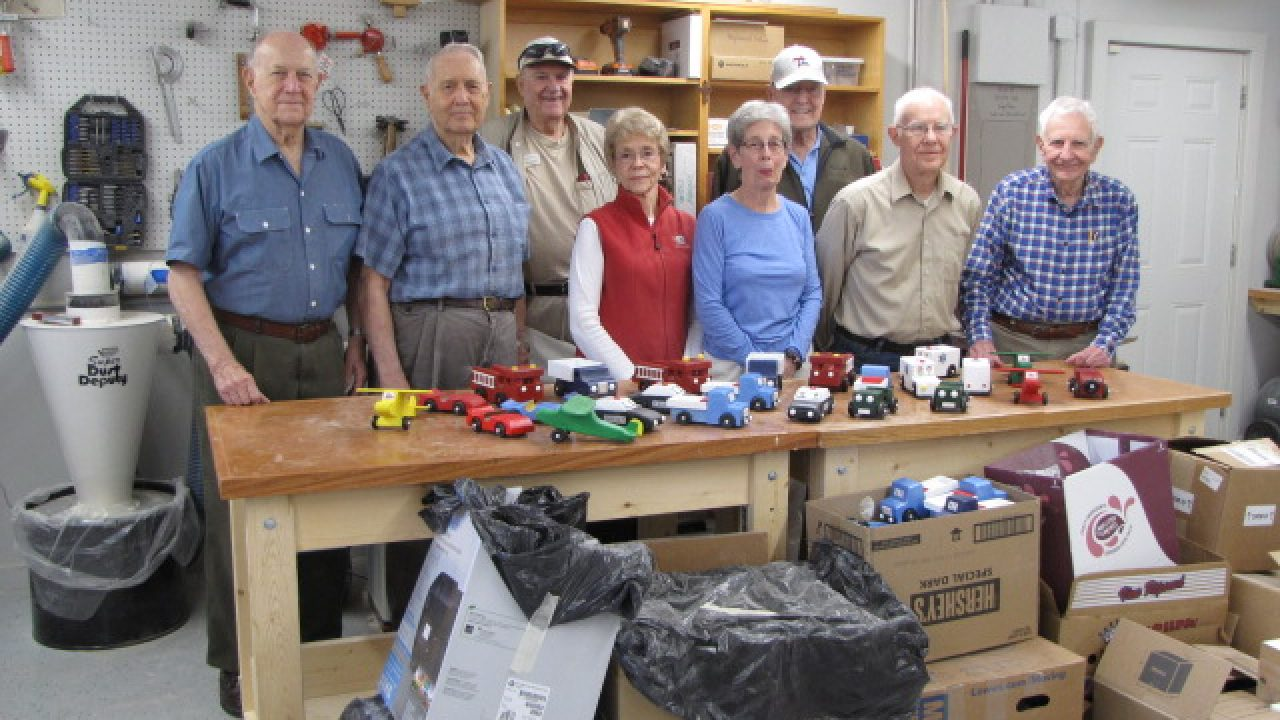 Senior Woodworking Group Donates 400 Toys To Local Children In Need Lake Highlands