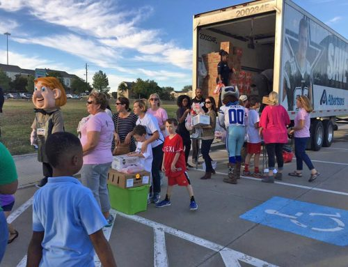 Packs 4 LH brings healthy food to area schoolchildren at Thanksgiving